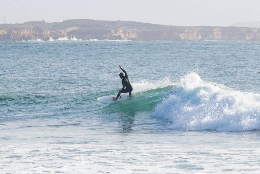 surfen in sardinie is heel goed mogelijk op de golven